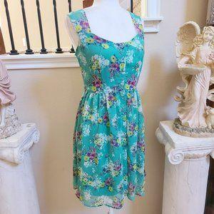 Lauren Conrad Buttoned Floral Sheer Shift sz 10